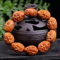 free shipping Natural Olivary Nucleus Carving Eighteen Lohan Delicate High oil Lovers Wenwan