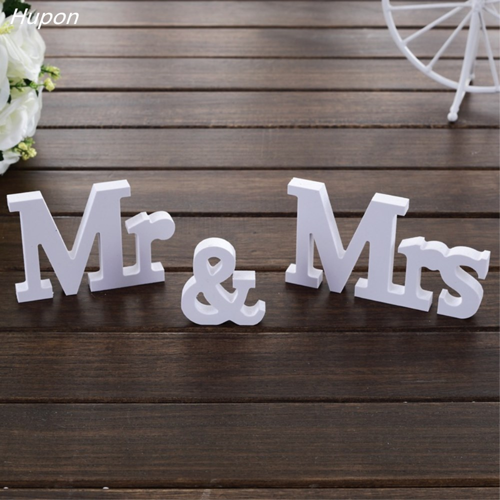 1set Newest Mr&Mrs Letters Wedding Decoration Present Table Centerpieces Wooden Letters Romantic Marriage Wedding Sign White