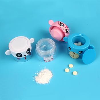 Przenośne wodoodporne dzieci śliczne medycyna młynek pudełko na pigułki butelka podróży domu pojemnik na leki przecinarka do tabletek medycyna Storager tanie i dobre opinie zoechic Przypadki i rozgałęźniki pigułka plastic Medicine cutter portable Pill Organizer pills white blue pink repeated use