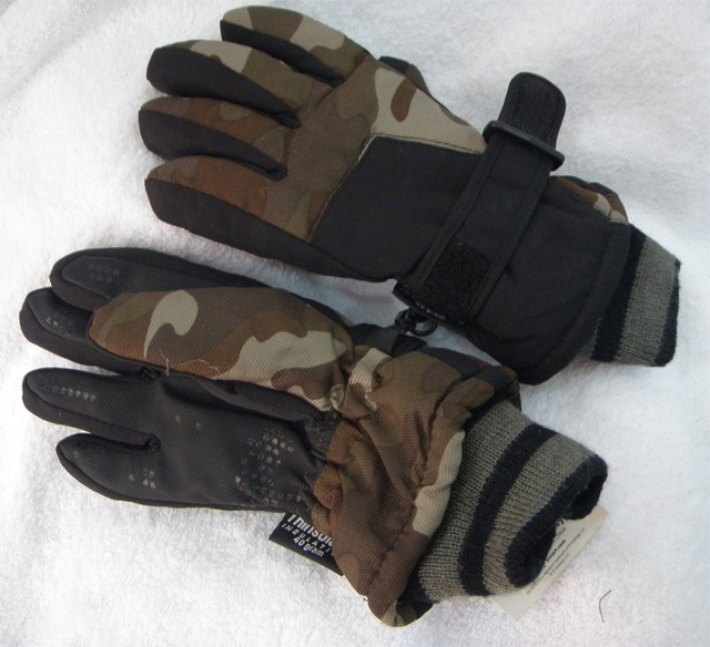 Child ski gloves thickening bionic Camouflage print fleece windproof