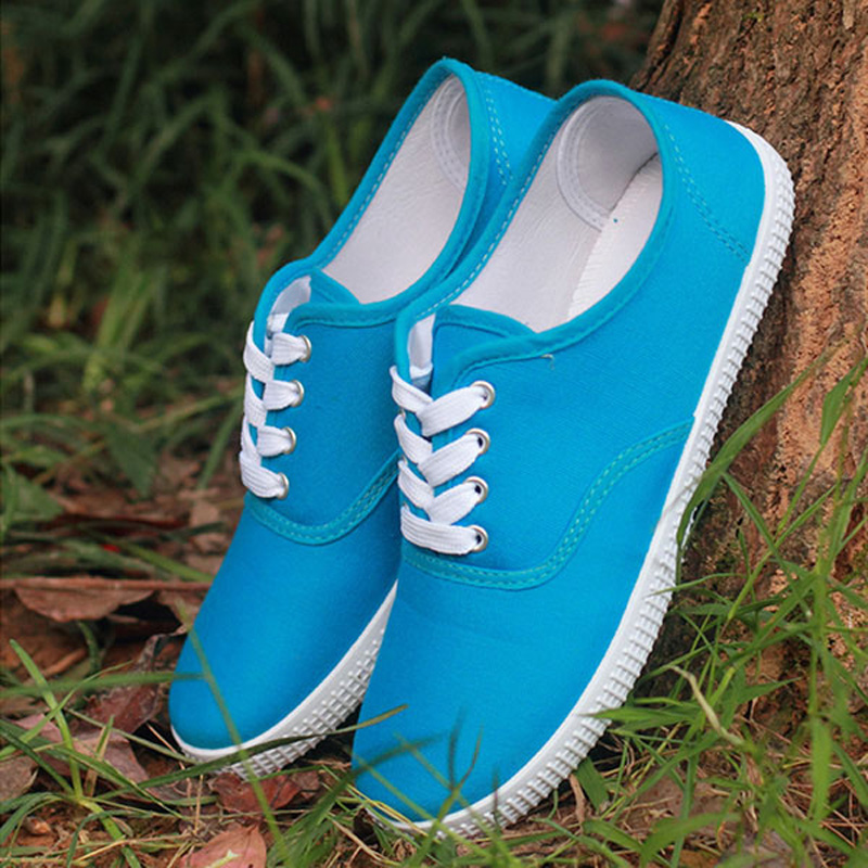 3c557d477ba US $15.81 15% OFF|13 color zapatos mujer plus size canvas shoes unisex low  men shoes shoes lace up lovers flat casual shoes flats-in Men's Casual ...