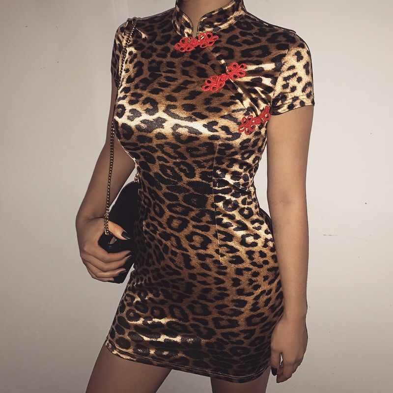 2019 nowych kobiet lamparta druku sukienka Sexy chiński styl sukienki bez rękawów kobiet modny guzik wysoka Neck Cheongsam sukienka