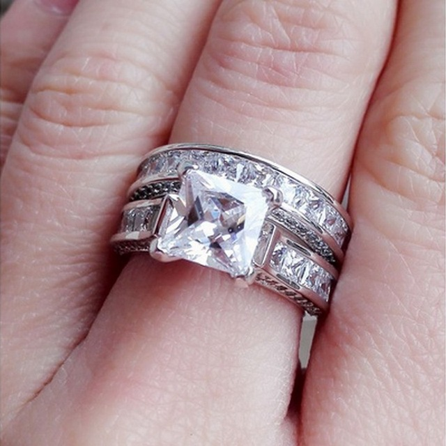 White Cubic Zirconia Silver Color 2pcs Wedding Ring Set For Women