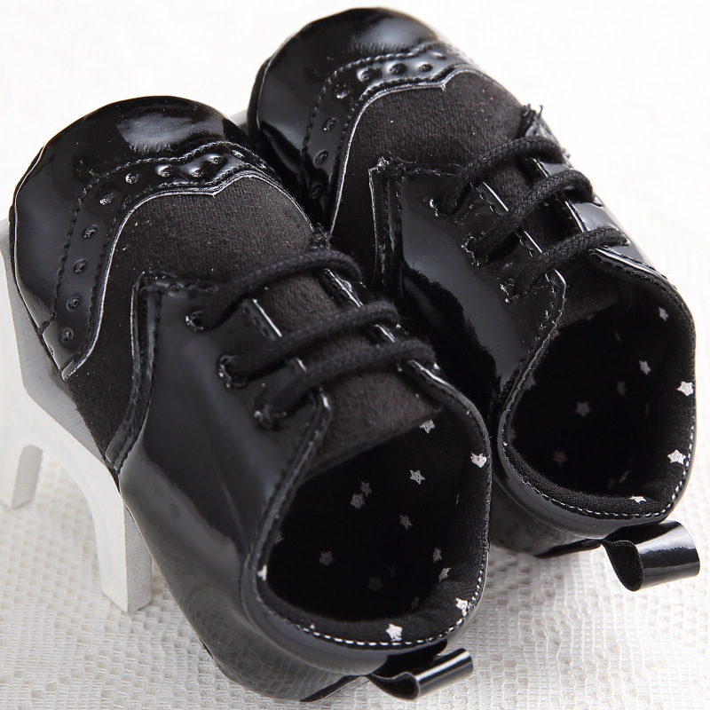 2017 Handsome Baby Moccasins Black White Leather Baby Boys Shoes Girls Newborn First Walkers Sports Infant Sneakers Age 0-18M