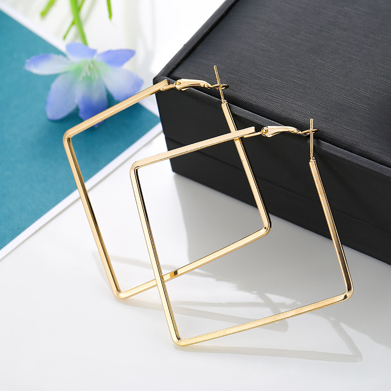 Fashion Hoop Earrings For Women Accessories Personality Simple Metal Square Geometric Earrings Trendy Jewelry Gift Femmes