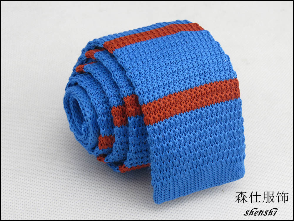 knitted tie/blue to gezer/orange color horizontal stripe pattern ...