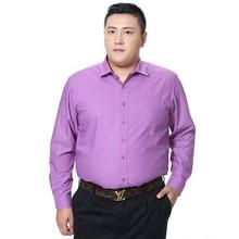 قميص رجالي بمقاس كبير مع جيب وصل حديثًا لعام 2018 بأكمام طويلة تصميم ضيق بلون سادة بجودة عالية