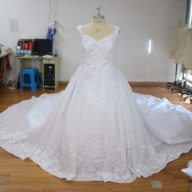 2017 Luxury White Royal Train Princess Wedding Dresses Long Vintage Arabia Bridal Formal Gowns Fabulous