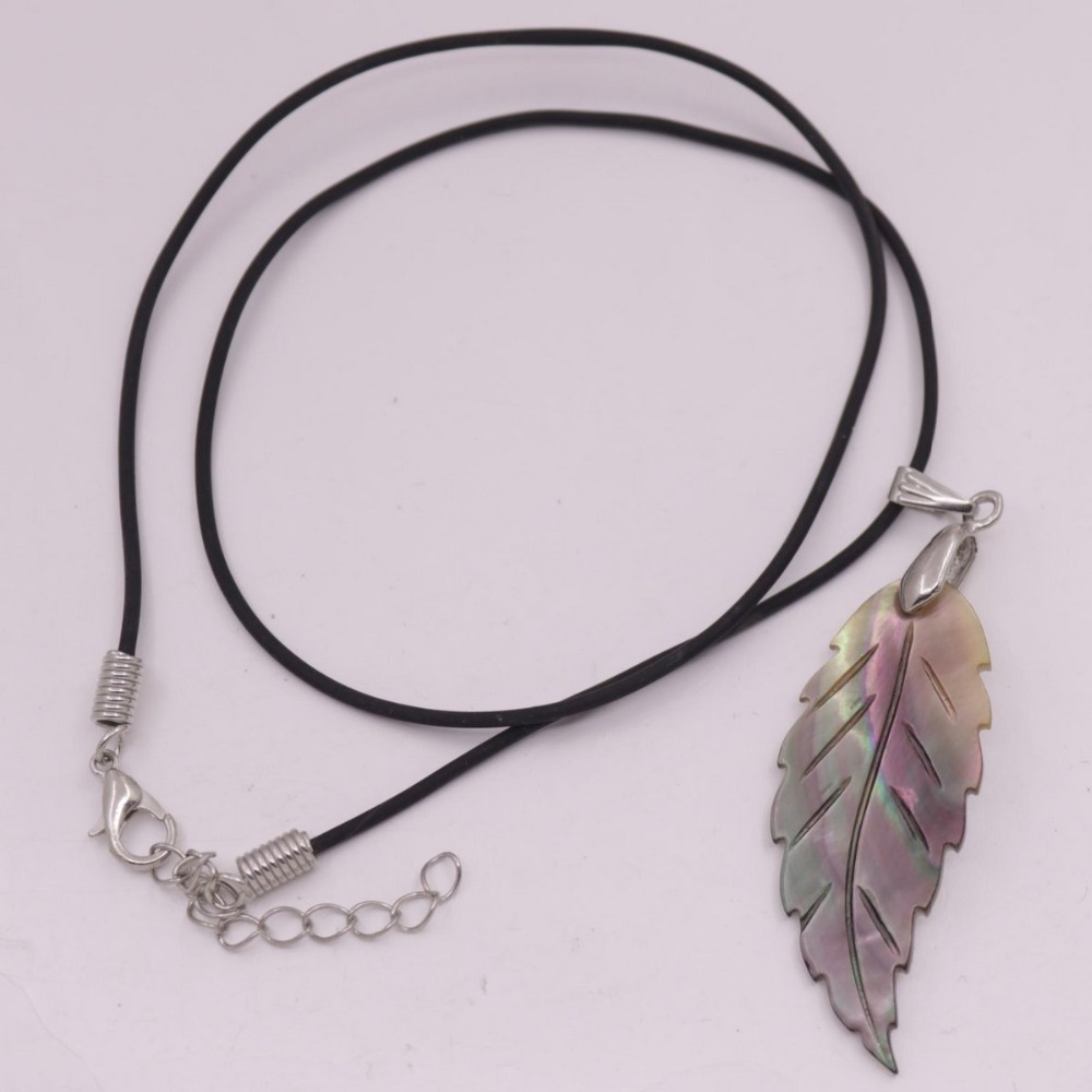 "Купить с кэшбэком 20mmX45mm Leaf Shell Natural Black Mother of Pearl Pendant 18"" Jewelry"