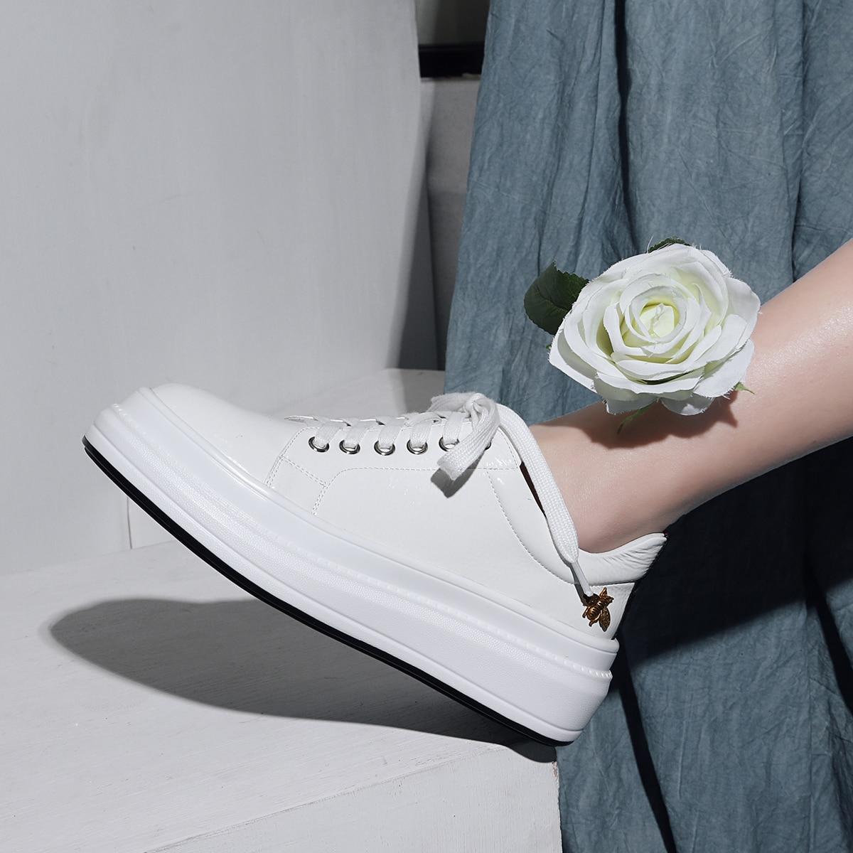 INDACO 2019 Women Sneakers Leather White Shoes Woman Shoes Fashions 34 40-에서여성 경량 신발부터 신발 의  그룹 1