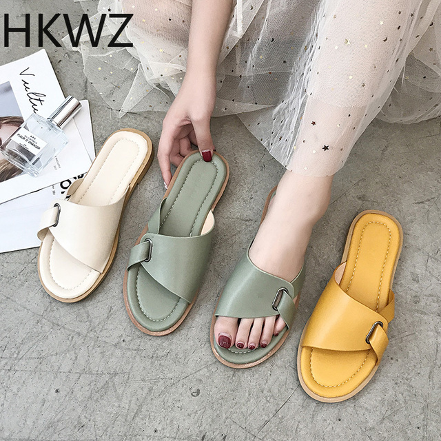 2019 new patent leather flat bottom slippers female summer buckle breathable open toe fashion wear wild lazy beach sandalsH0097