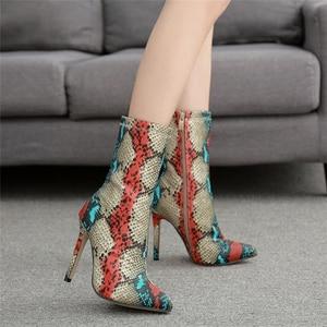 Image 3 - 2020 חדש נשים 11.5cm גבוהה עקבים מגפי פטיש מחודד הבוהן מגפי מתפתל Zip קרסול מגפי לנשף סתיו נחש הדפסה חשפנית נעל