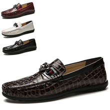 Dropshipping New Style Soft Moccasins Men Loafers High Quality Leather Shoes Fashion Men Flats Business Wedding Shoes