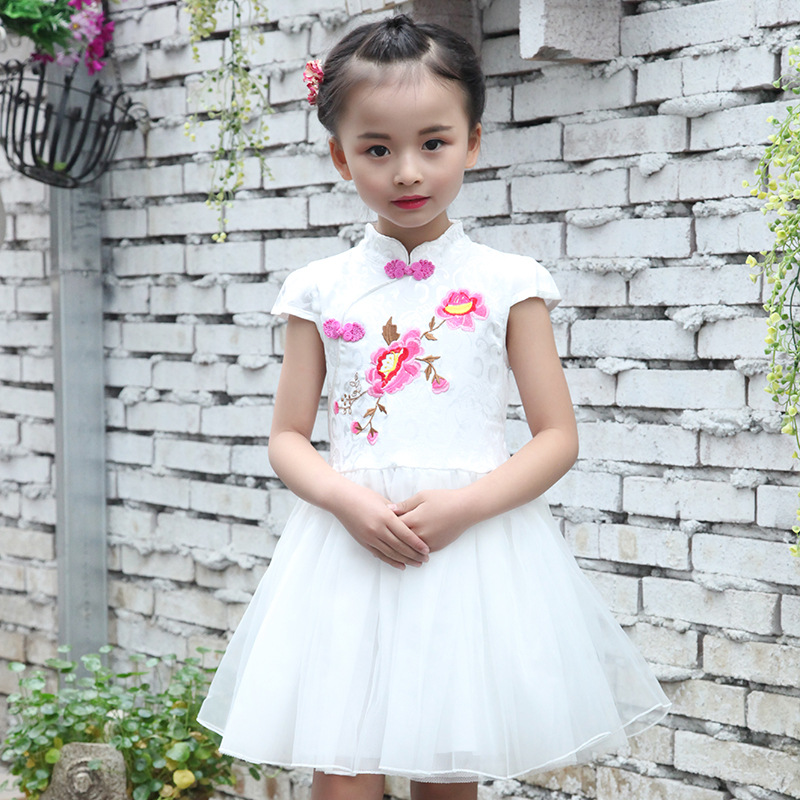 floral embroidered girls dress cheongsam flowers embroidery white pink mesh patchwork children dress tutu summer spring 2017 a three dimensional embroidery of flowers trees and fruits chinese embroidery handmade art design book