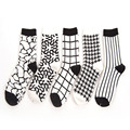 [Cosplacool] nuevos caramella retro clásico blanco y negro stripes red corto calcetín de algodón calcetines calcetines creativos de la novedad al por mayor