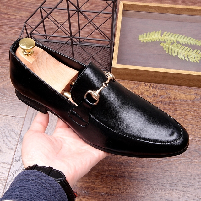 2a24dcb2a2a New Korean Style White Black Horsebit Loafers Flat heel Leather Driving  Boats Casual Shoe for men