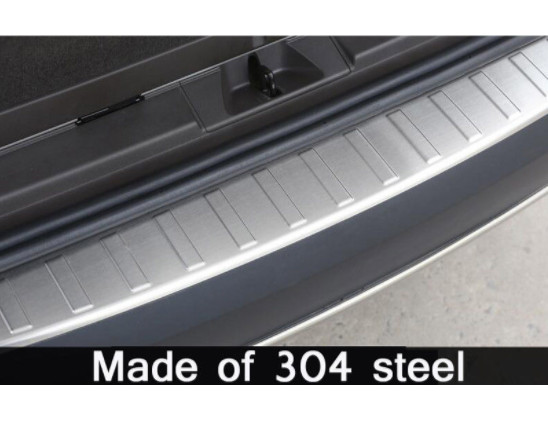Stainless Steel Rear Door Outside Bumper Protector Sill Scuff Plate For Land Rover Discovery 5 2017 LR5 Car Accessories in Car Stickers from Automobiles Motorcycles