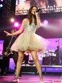 2016 recién llegado de moldeado cristalino Selena Gomez Dress Champagne corto vestido de bola del vestido de la celebridad vestidos 2015