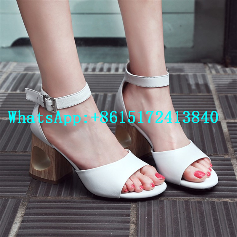 ФОТО Buckle Genuine Leather Casual Ankle Strap Solid Med Heels Women Sandals Metal Decoration Strange Style Square Heels Women Shoes