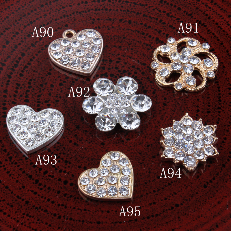 30PCS Vintage heart flower snow Metal Rhinestone Buttons Bling Alloy  Crystal Flatback Flower Centre Buttons for Hair accessories 746e9ad0f00c
