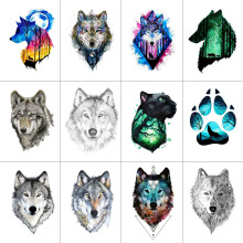 WYUEN 12 PCS / lot Wolf Temporär Tatueringsklänning för Kvinnor Män Mode Kaskonst Vuxna Vattentät Hand Falsk Tatoo 9.8X6cm W12-01
