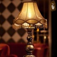 Роскошные свадебные комнаты тумбочка фонари светодиодные настольные лампы Европейский спальня кровать Ретро исследование гостиная ткань