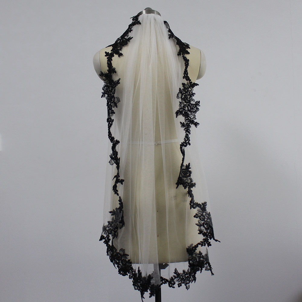 Image 4 - Black Lace Appliques White Ivory Tulle Short Wedding Veils One Layer Bridal Veil with Comb Wedding Accessories Veu de Noiva-in Bridal Veils from Weddings & Events