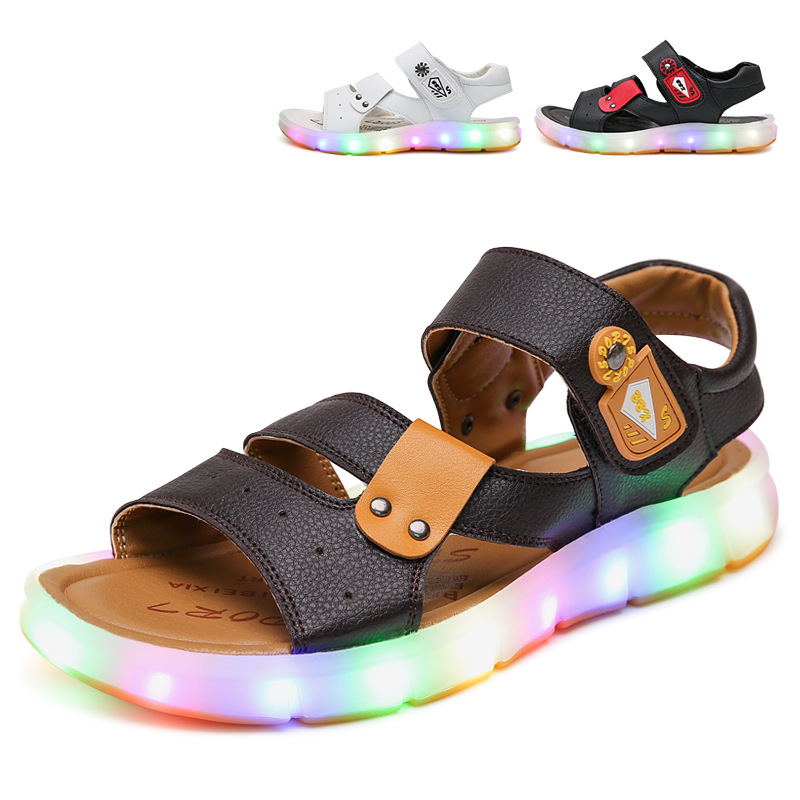 European high quality LED lighting summer baby girls boys shoes high quality beach baby sandals fashion glowing baby clogs