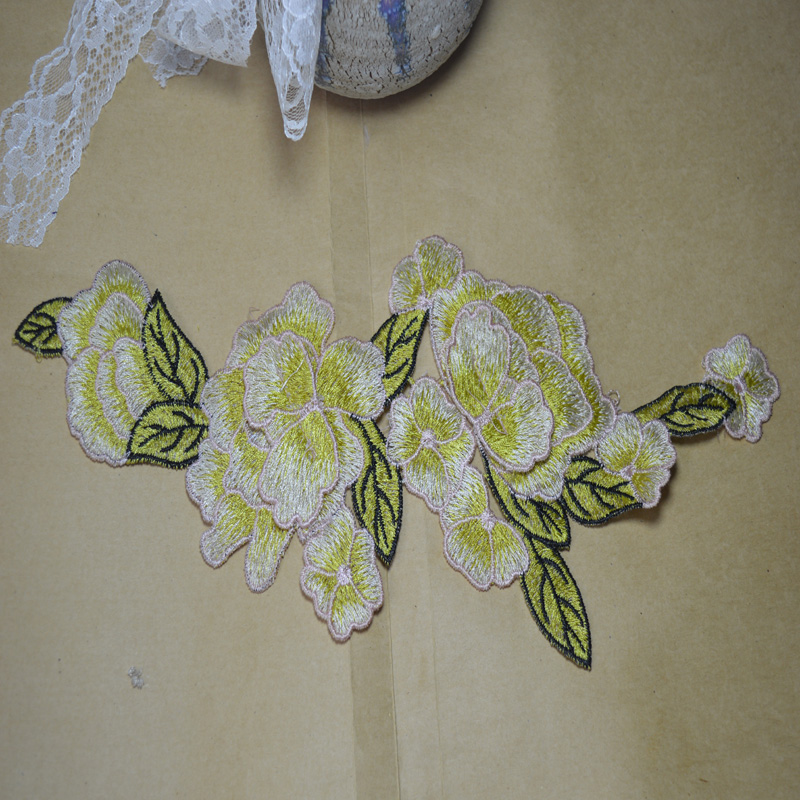 e8fb16b5154 30 13 cm (2 unids lote) estilo chino flor verde hoja parches Boda nupcial  Bordado Encaje parche Costura Encaje applique 17010711