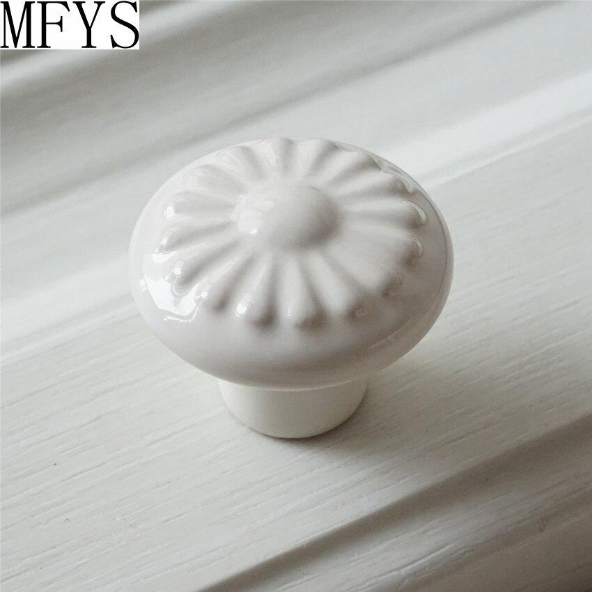 US $4.14 10% di SCONTO|Armadio da cucina Manopole/Cassetto Del Comò Tira  Manopola Maniglie/Bianco Pomelli In Ceramica/Porcellana Porta Manopola ...