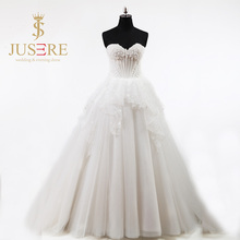 Sweetheart Basque Waistline Lace up Closure Boned Bodice Appliqued Flowers Petals Puffy A line Heavy Beading Wedding Dress 2018(China)