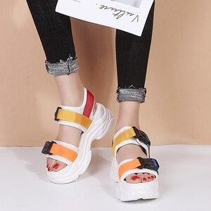 Image 3 - Lucyever 2019 חדש אופנה נשים פלטפורמת סנדלי גבירותיי מקרית טריזי ציוץ בוהן נעלי אישה Sandalias Mujer שחור לבן