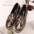 2016 Venta Caliente Del Otoño Del Resorte Mujeres de Charol Borla Sola zapatos de Punta Redonda de Tacón Bajo Slip-on Casual Zapatos de Cuero Tamaño 35-39