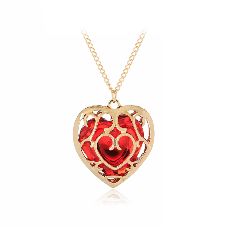 The new Hot Selling Trendy Charm Female Alloy Heart Shape Hollow Crystal Pendant Necklace Fashion Mother's Day Gift For Mom image