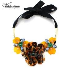 Vodeshanliwen Nueva Acrílico Flores Collares y Colgantes Mujeres Con Estilo Collar Llamativo Moda Vintage Bijoux Collar Accesorios()