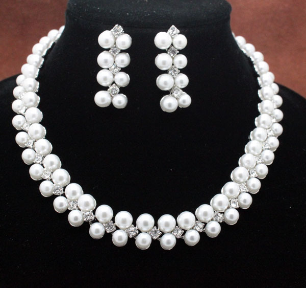 classic new design wedding bridal pearl rhinestone jewelry sets fashion  fancy charm necklace and earring sets free shipping be0f8af11862