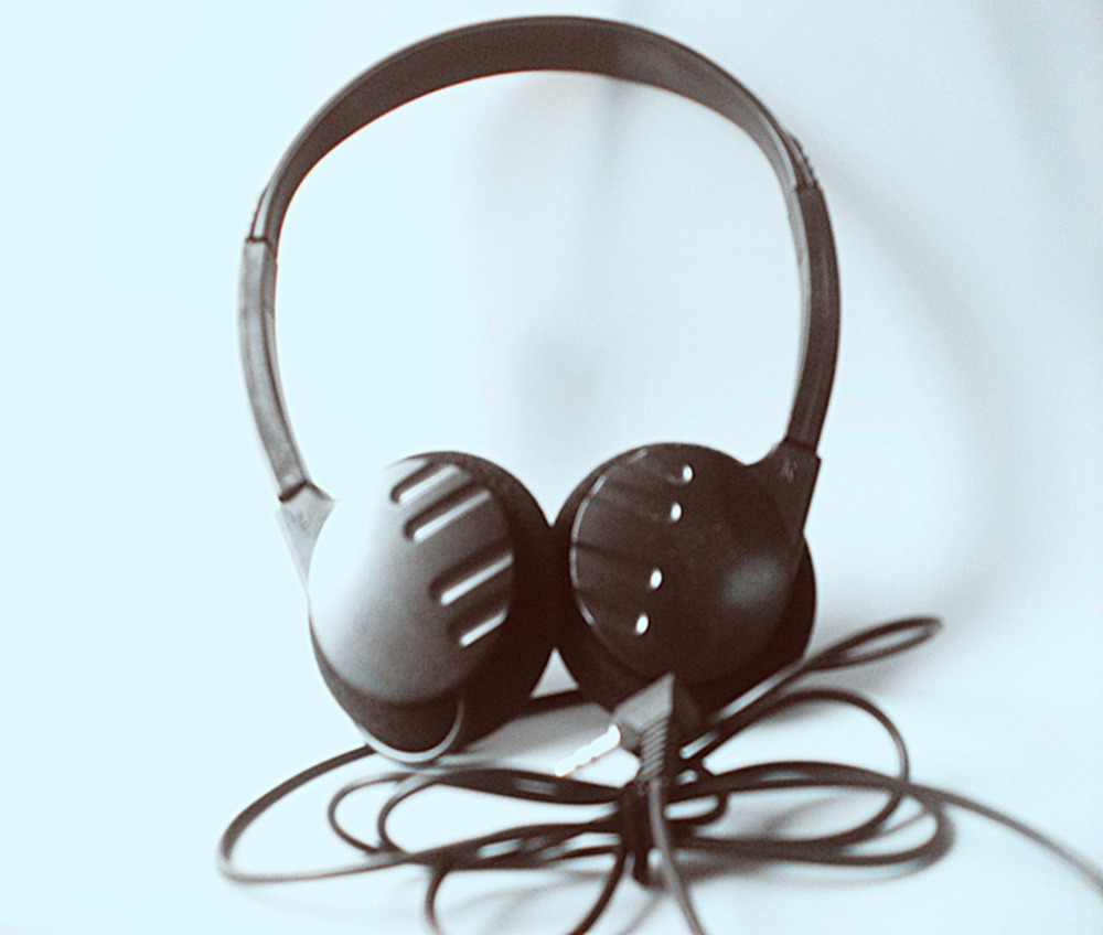Linhuipad H-70 3.5mm Headset Audio Wired Headphone for Computer Media Player head wearing Headphones Portable Sport headset