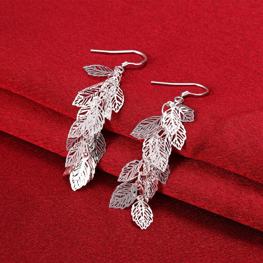 Generous Wholesale Fashion 925 Silver High-quality Earrings Japan And South Korea Fashion Romantic Hollow Leaves Ladies Ear Hooks E674 Relieving Rheumatism