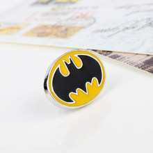 Perhiasan MQCHUN DC Comics Superhero Batman Bat Bros Bros Pins pria Kemeja Fashion Aksesoris-40(China)