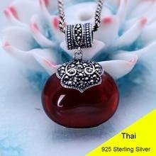 adacd8298fb4 Redondo rojo granate 925 plata esterlina Retro marcasita colgante de collar  de las mujeres tailandesa de