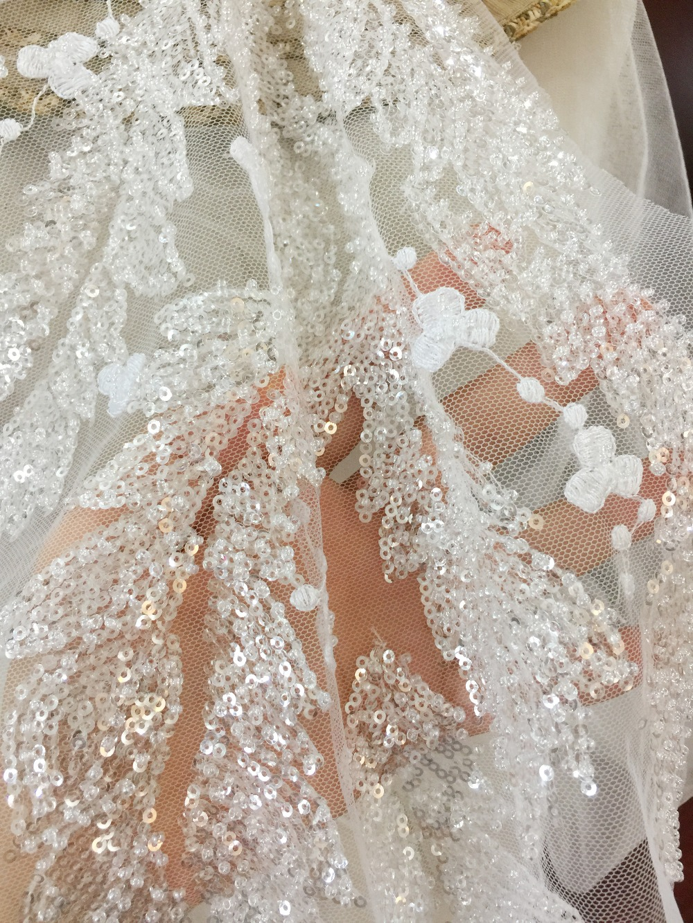 2pcs/Lot Pearl Beaded Bridal Leaf Lace Applique in Pink Purple Off White, Flower Applique for Dance Costumes women cloth dress
