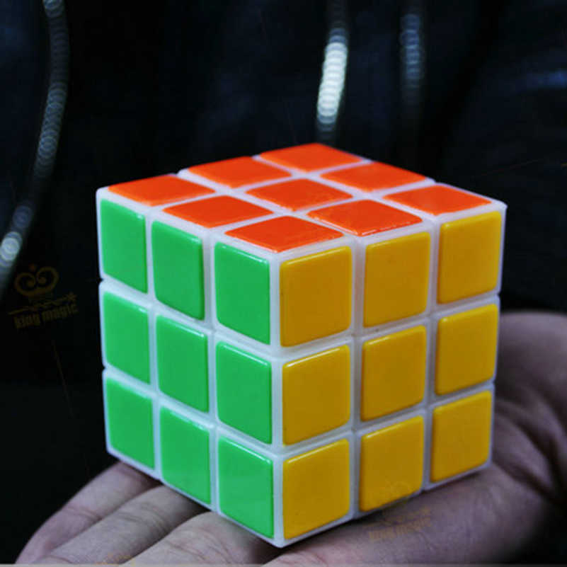 פלאש באיכות גבוהה פלסטיק קוביית קסם קוביית לשחזר קסמים אבזרי קסם טריקים צעצועים קסומים מיידי לשחזר קובייה 1 שני