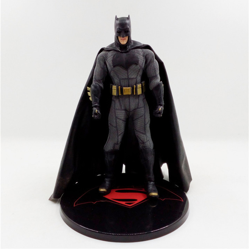 где купить Batman Vs Superman Variant Figure Limited Version Batman PVC Action Figure Toy Brinquedos 16cm по лучшей цене