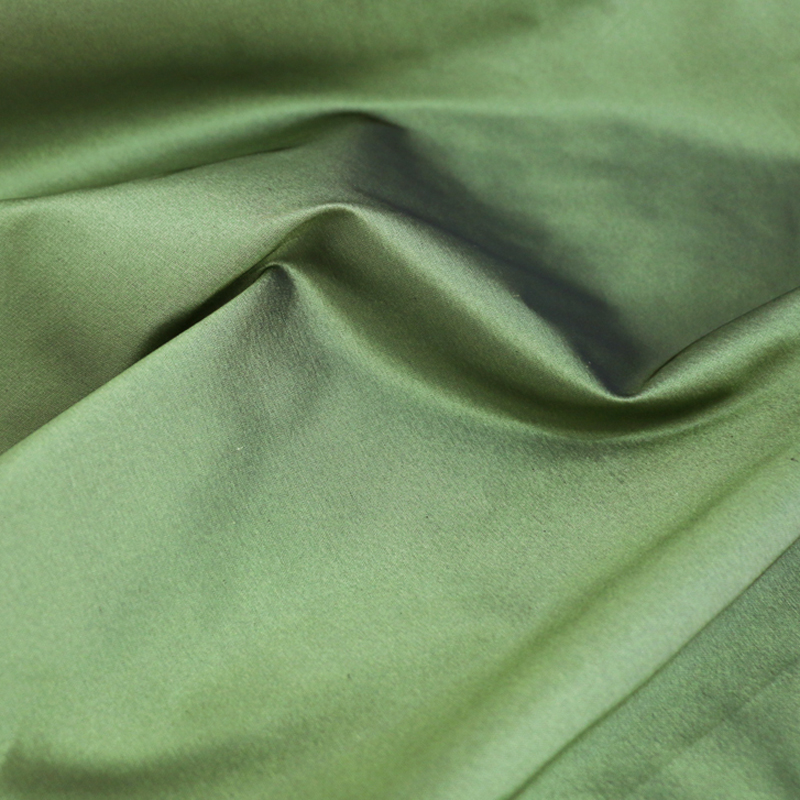 100*140cm Quality Yarn Dyed Silk Taffeta Fabric Army Green100*140cm Quality Yarn Dyed Silk Taffeta Fabric Army Green