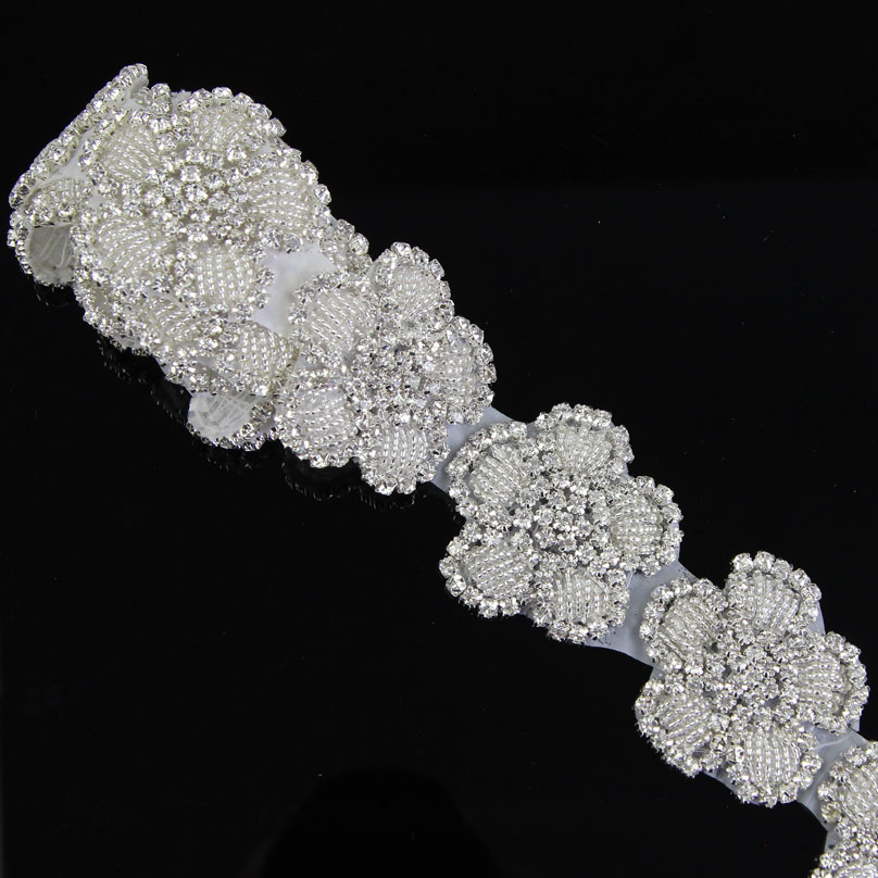 1Yard White Flower Crystal Rhinestone Sew On Trim Horse Browband Craft R2808