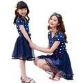 Precioso polka dot madre hija vestidos de malla de algodón de verano madre e hija ropa familia look niños de padres de niños trajes