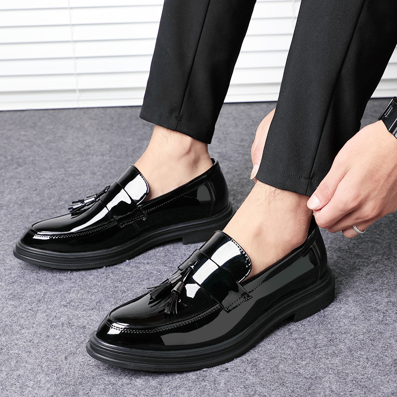 2019 Fashion New Men's Dress Shoes Patent Leather Tassel Casual Shoes A Pedal Set Foot Business Men's Shoes 7802