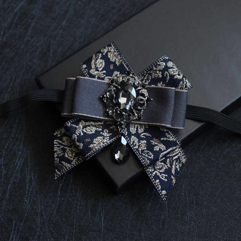 MADE IN U.K. SILVER GREY TIE BRAND NEW TIES ON ELASTIC FOR BOYS//CHILDREN