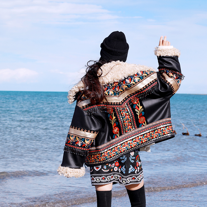 Original Design 2017 Exotic vintage loose artificial lambswool patchwork embroidered PU leather jacket winter coat women