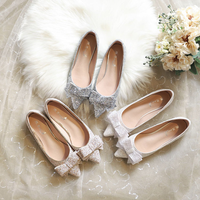 31ce989032f8 Wedding Shoes Sequins Beautiful Female New Bridesmaid Bride Party dress  Lower Heels Silver Women s Shoes Bow Elegant
